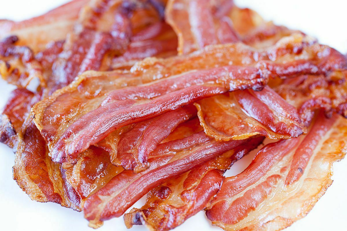 How many slices of bacon in a pound?