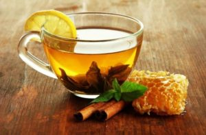 Lemon tea with cinnamon