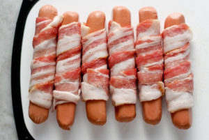 bacon wrapped hot dogs | step3
